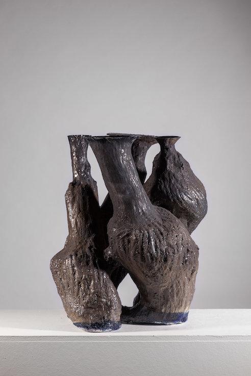 Schwarzes Cluster 2017; porcelain ©Johannes Nagel / Galerie ZINK
