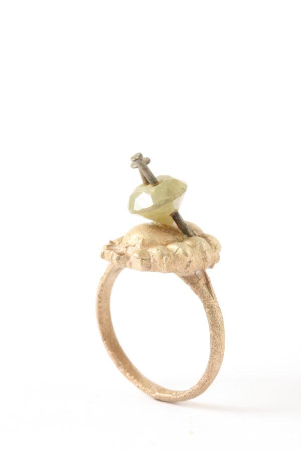 Karl Fritsch: Untitled, 2008, gold steel diamonds ©Galerie Zink