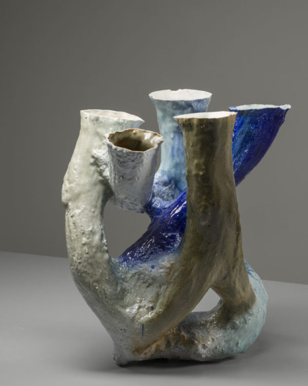 Johannes Nagel: Growing Vessel (Porcelain 7), 2015 © Galerie Zink