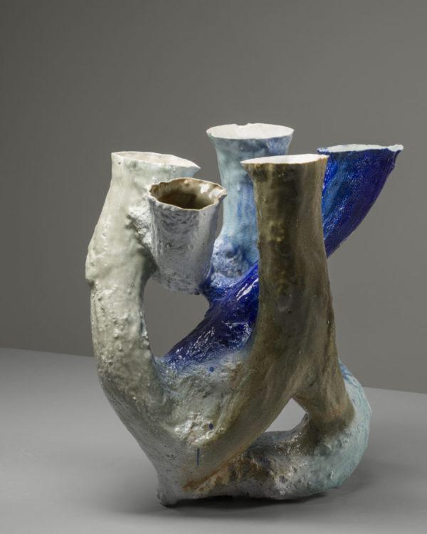 Johannes Nagel: Growing Vessel (Porcelain 7), 2015 © Galerie Zink