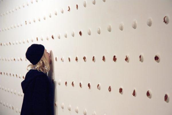 Elizabeth Willing, Installationsaufnahme der interaktiven Arbeit Goosebump, 2011 - fortlaufend © Elizabeth Willing and Tolarno Galleries Melbourne
